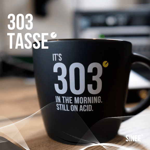 303 Tasse – Still On Acid – Schwarz